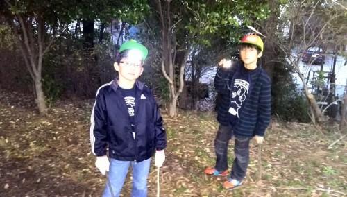 普段、ヘッドライトなんて付けたことない学童たち。到着時はまだ日があったのですがあっという間に冬の 暗闇に包まれます。